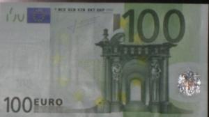 100 eiro kredīts